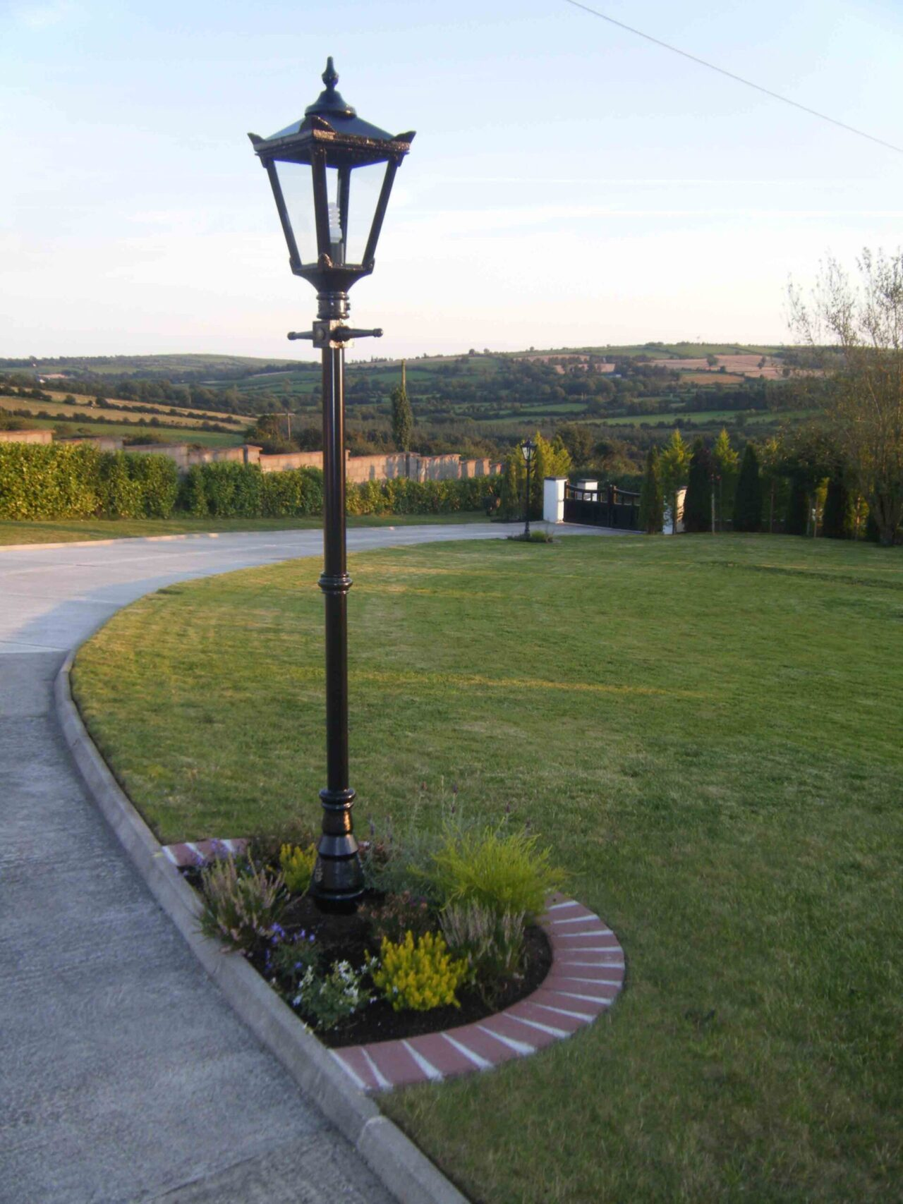 Harte 7 Garden Light