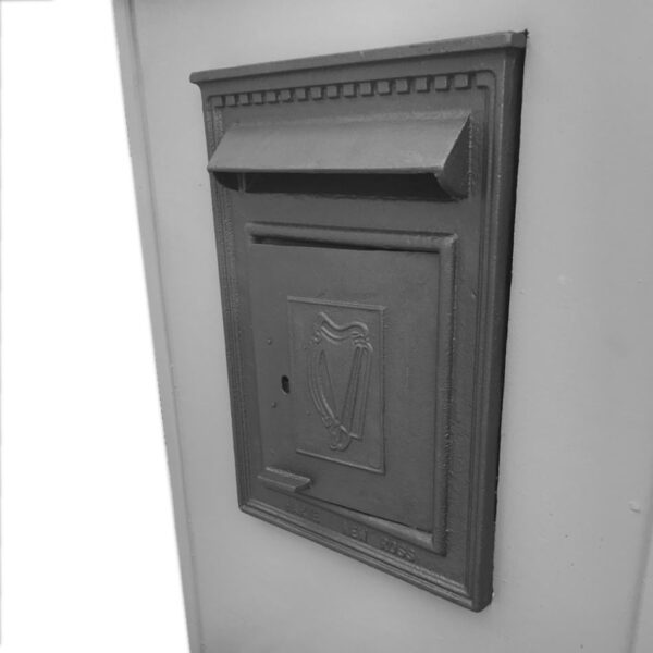 postbox-peacockblue-grayscale2